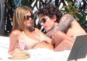 jennifer-aniston-bikini-john-mayer